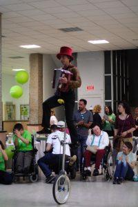 Momento de la actuación de circo